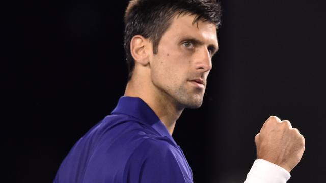 Djokovic en Federer verliezen geen set in tweede ronde