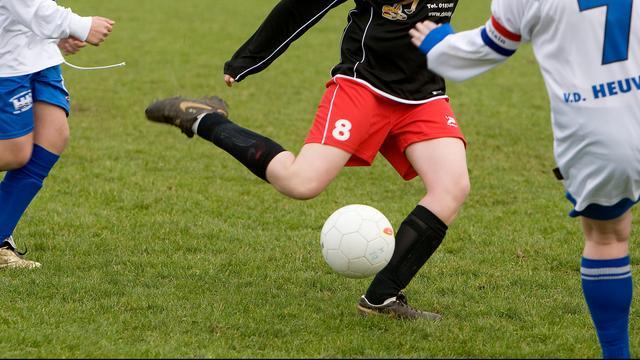 Steeds meer meisjes gaan voetballen
