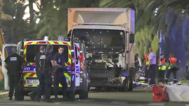 Volg hier de ontwikkelingen na de aanslag in Nice (liveblog gesloten)