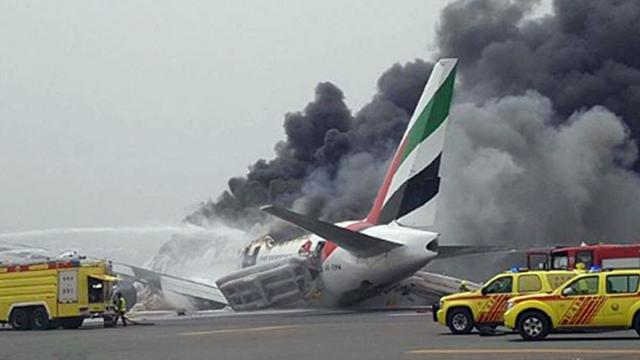 Toestel Emirates in brand na landing op luchthaven Dubai