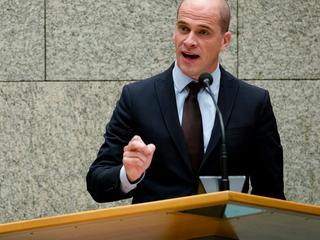 Binnen partij discussie of Samsom PvdA weer moet leiden bij verkiezingen
