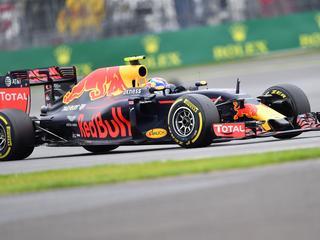 Hamilton pakt pole position bij Grand Prix van Groot-Brittannië