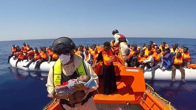 Noors schip redt meer dan duizend vluchtelingen