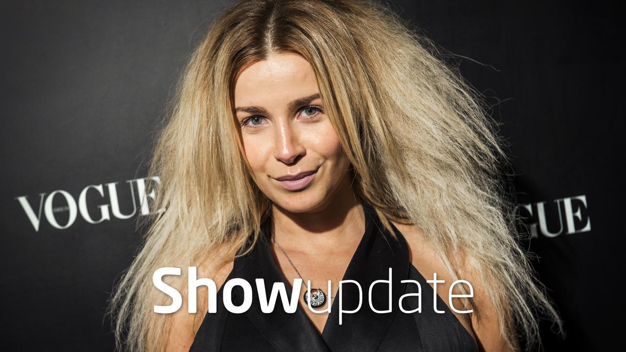 Show Update: Victoria showt strak lijf na bevalling