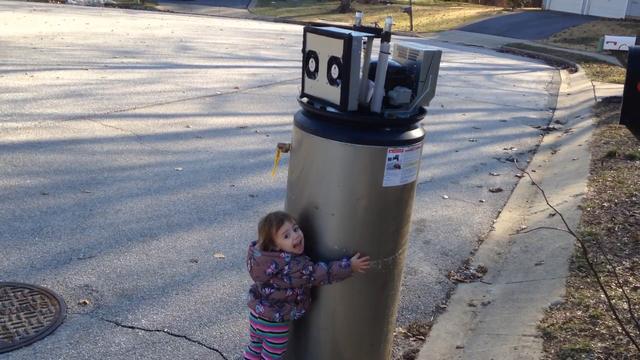 Meisje ontmoet 'robot'