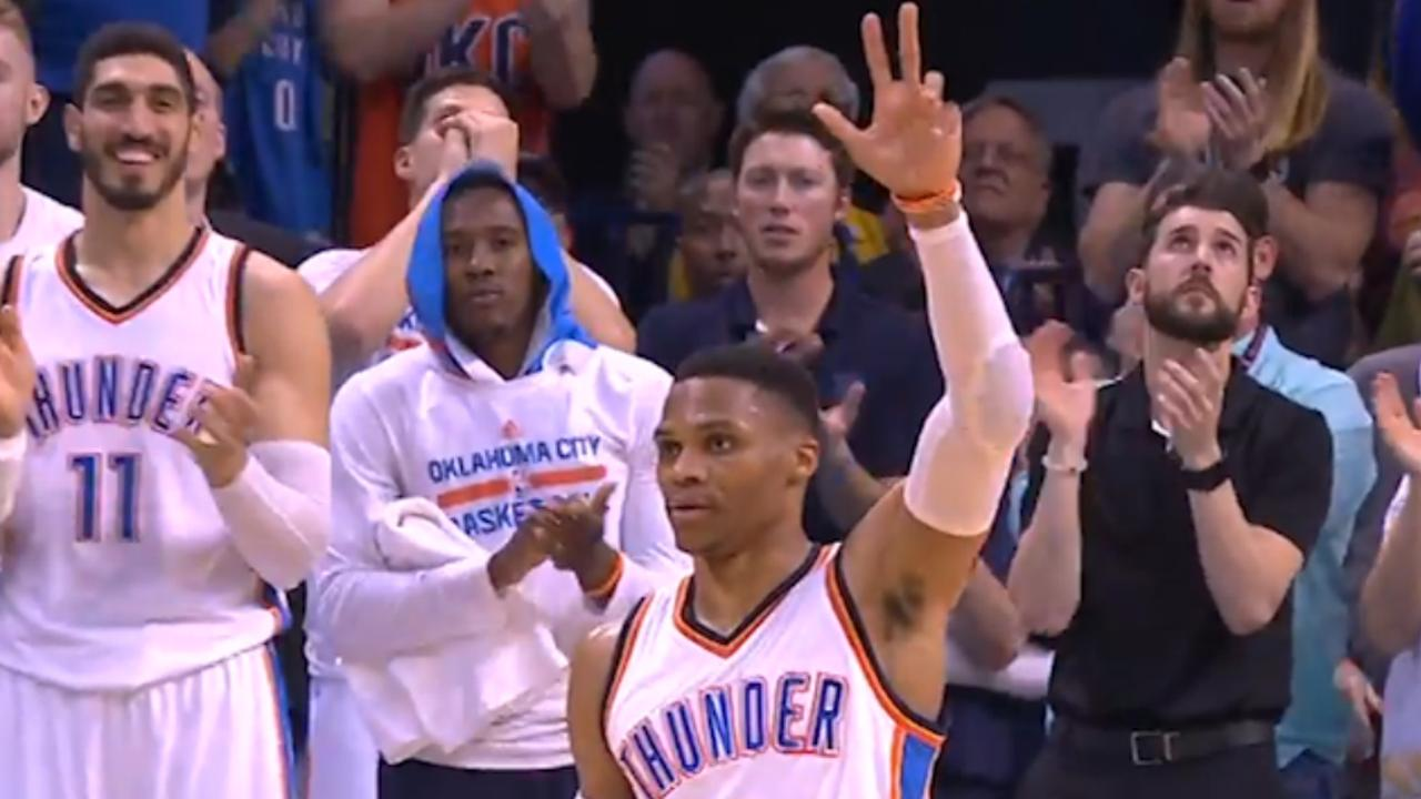 Russell Westbrook evenaart record met 41e 'triple-double'