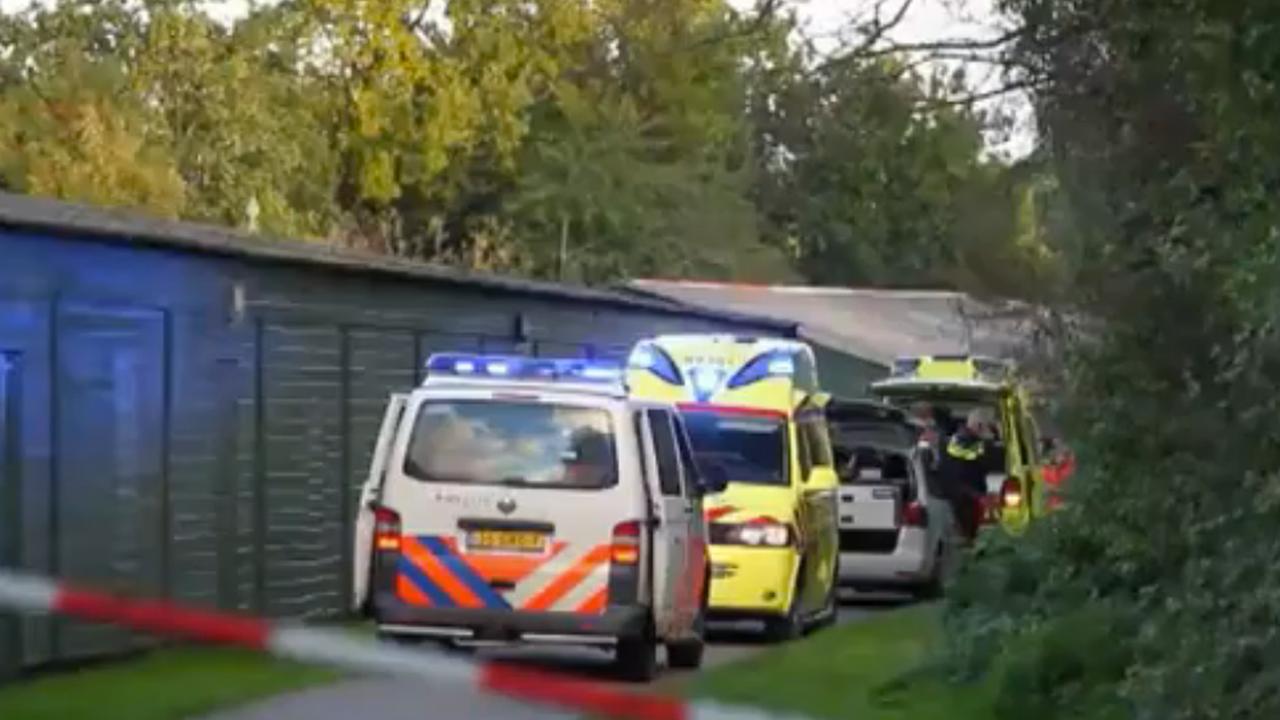 Hulpdiensten aan het werk in Leeuwarden na aanval met fles