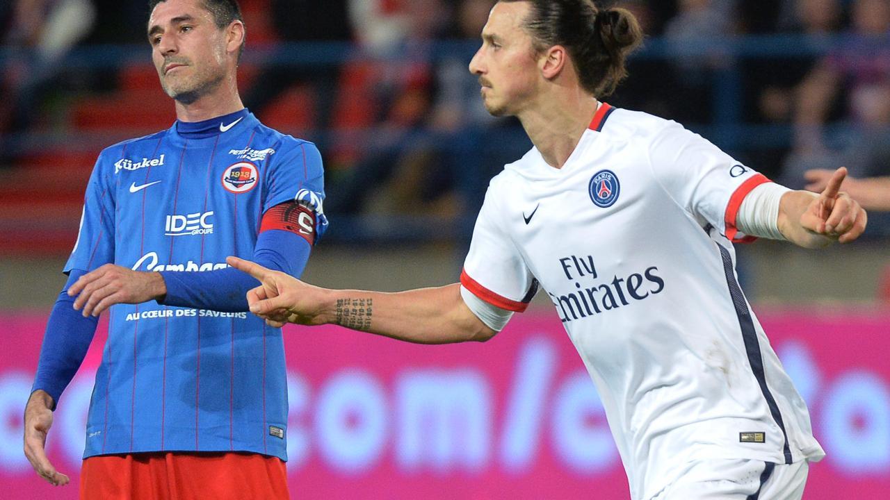 Zlatan scoort met verwoestend schot voor PSG