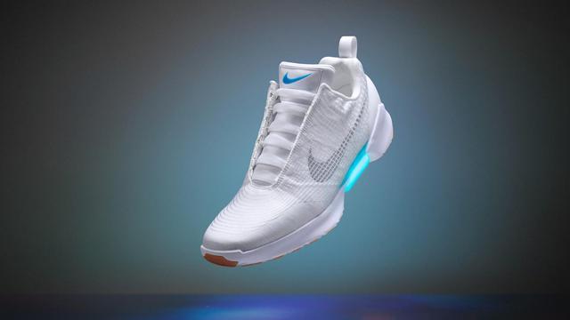 Nike gaat zelfstrikkende schoenen verkopen
