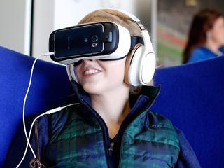 Ouders kunnen via virtual reality verhalen voor het slapen gaan voorlezen