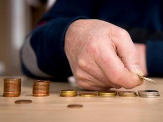 Afschaffing van de basisbeurs en het collegegeld dat steeds hoger wordt belangrijkste redenen
