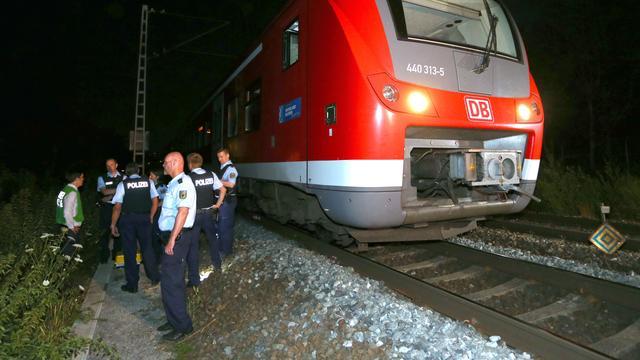 Eén reiziger nog in levensgevaar na aanval in Duitse trein