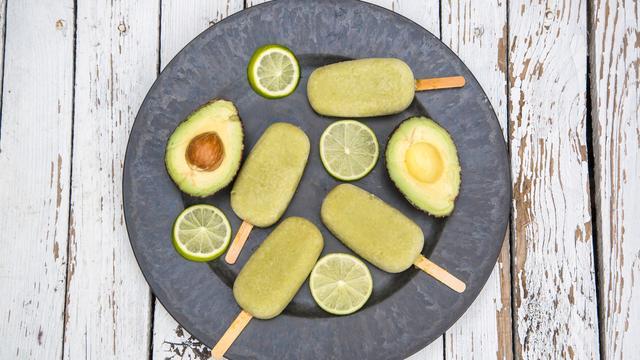 Zo gemaakt: té lekkere, romige avocado-ijsjes