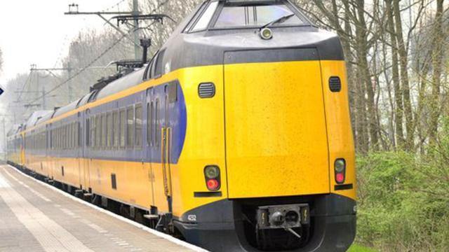 Beschadigd viaduct blokkeert treinen tussen Leiden en Haarlem