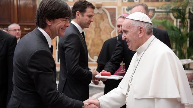 Duitse bondscoach Löw 'geraakt' door ontmoeting met paus