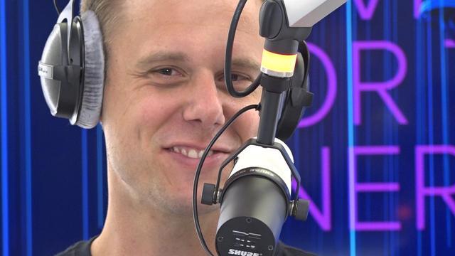 Armin van Buuren draait tijdens 538Koningsdag