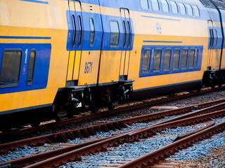 Treinen rijden weer na aanrijding met een persoon