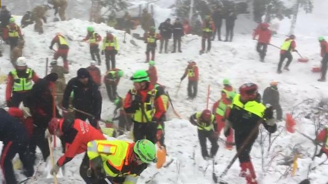 Reddingswerkers zoeken nog naar overlevenden lawine Italië