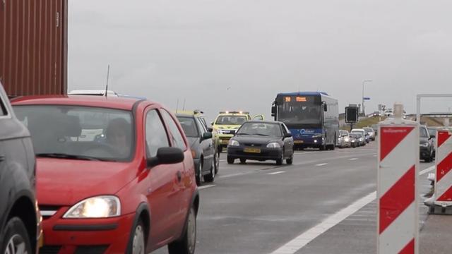 A9 richting Diemen uren dicht na groot ongeval