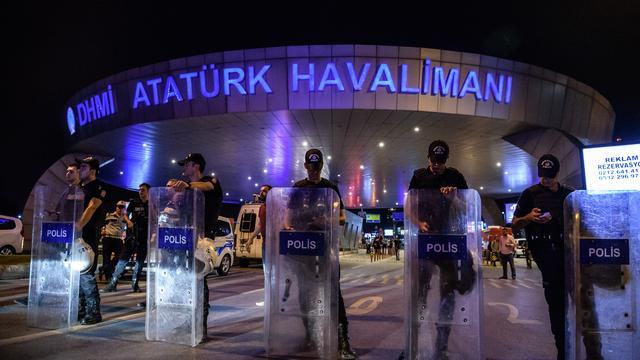 Zeker 36 doden en 147 gewonden door aanslag op luchthaven Istanbul