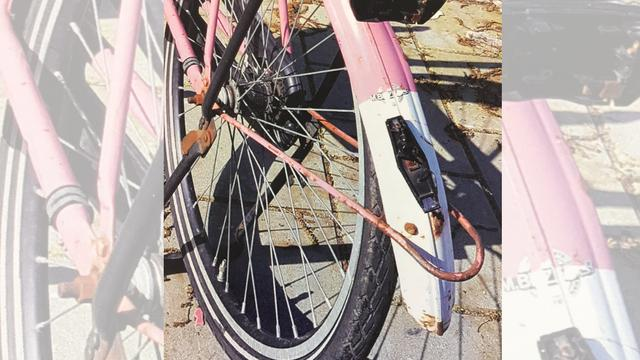 Automobilist rijdt 13-jarig meisje van fiets en rijdt door