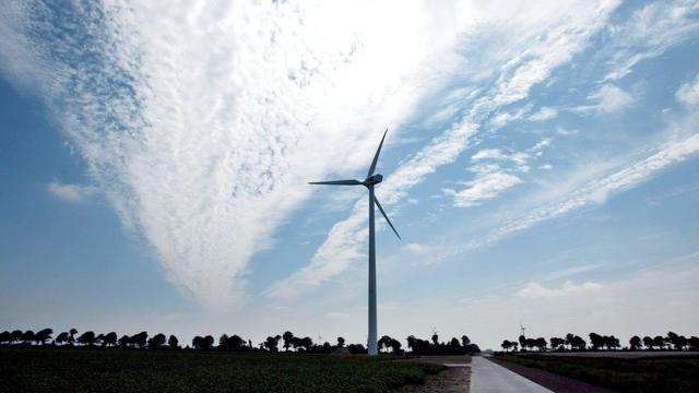 Windmolens Nuon worden later aangesloten