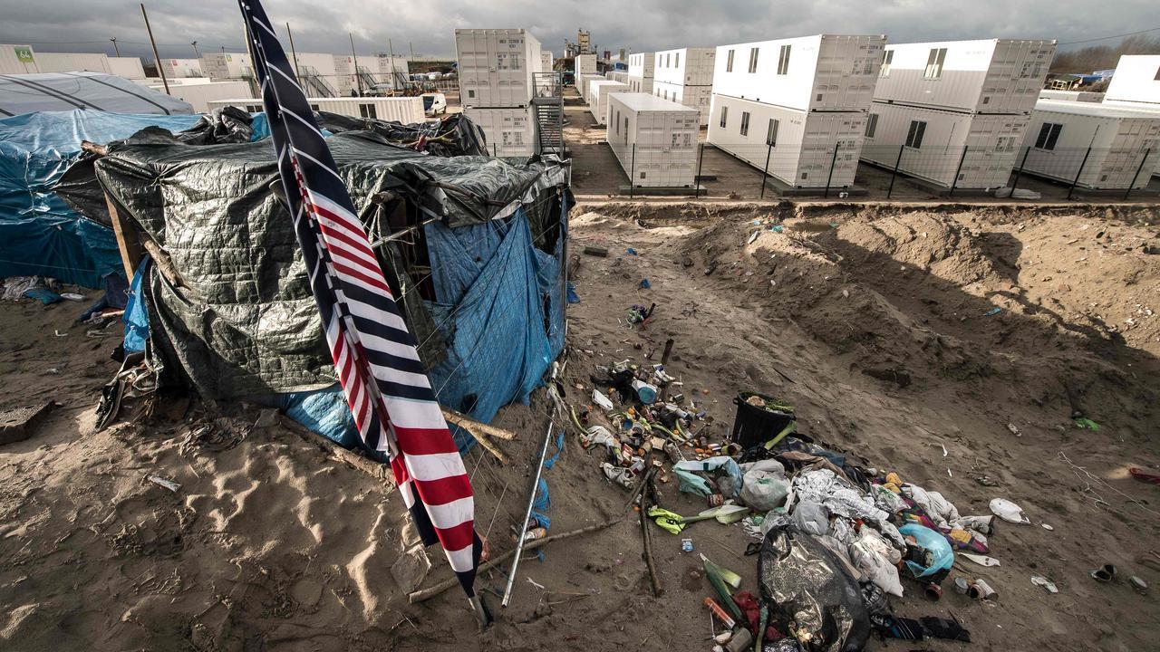 Beelden deel vluchtelingenkamp Calais