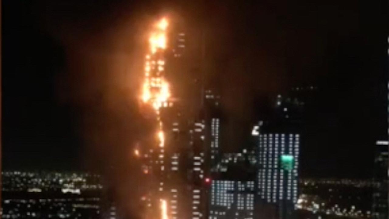 Wolkenkrabber in brand in Dubai