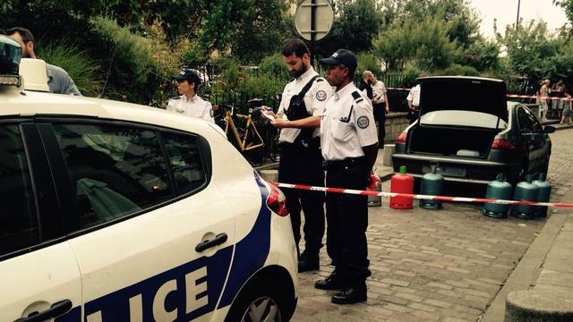 Gasflessen in auto Parijs waren waarschijnlijk bedoeld voor aanslag