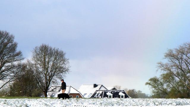 Delen van Noord- en Oost-Nederland bedekt onder laag sneeuw