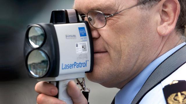 Snelle automobilist betrapt met lasershield