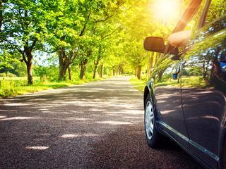 Wat doet de Nederlandse automobilist liever: vol gas over de snelweg jakkeren of rustig toeren?