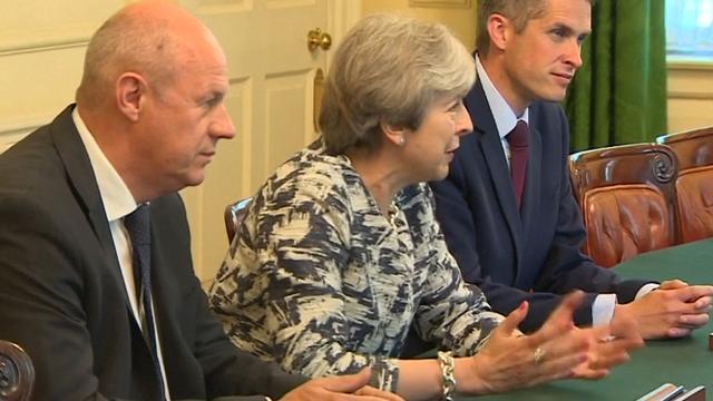 May bereikt akkoord met Noord-Ierse partij DUP over gedoogsteun