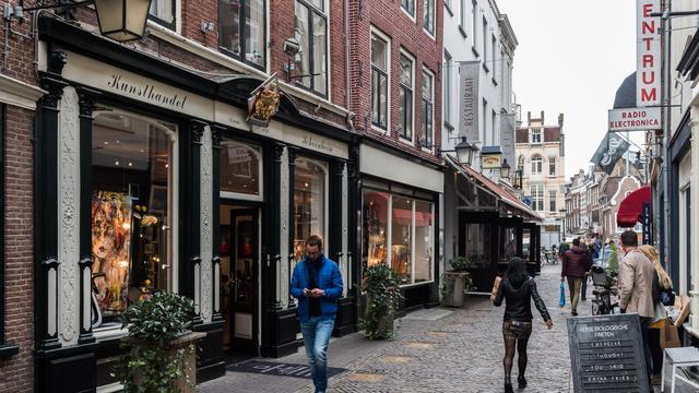 Kunsthandel Schoonheim en De Vink zit al 140 jaar in de Vinkenburgstraat