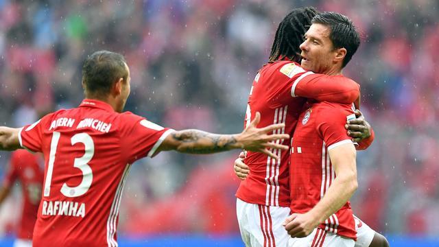 Winst voor Bayern en Dortmund, puntenverlies Bruma met Wolfsburg