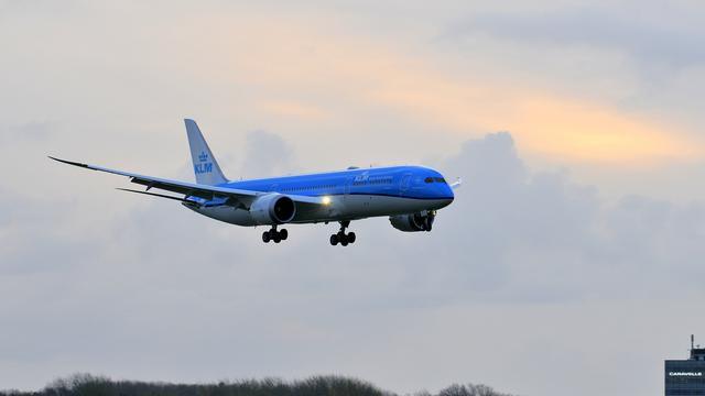 KLM vervoert meer passagiers in maart