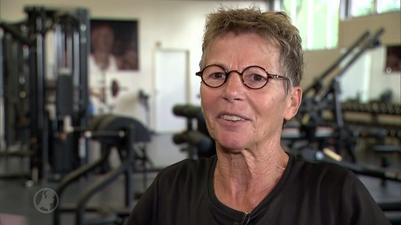 Maria (65) met spierreuma is wereldkampioen gewichtheffen