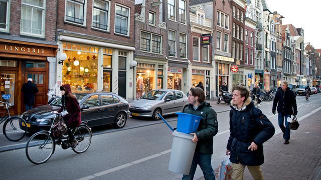 Ondernemers Haarlemmerdijk strijden voor behoud luifels