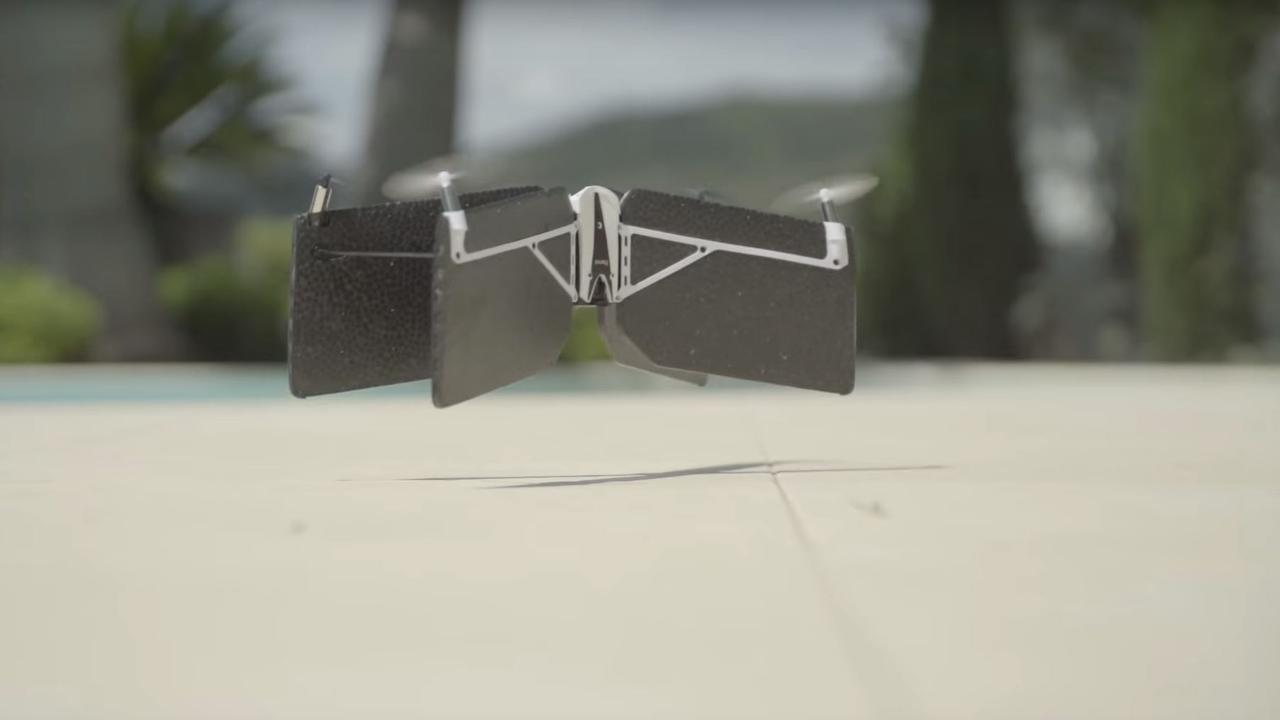 Parrot-drone is vliegtuig en quadcopter in één