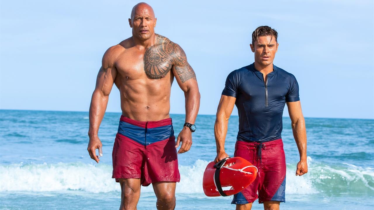 The Rock geeft strandtips: 'Let niet op wiebelende lichaamsdelen'