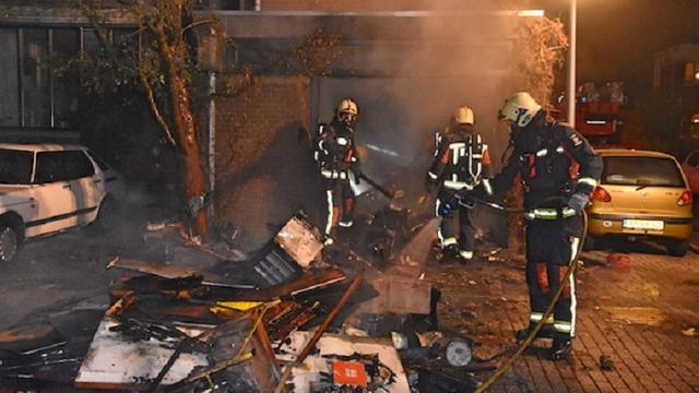 Flinke brand in garage bij woning op de Groenoord