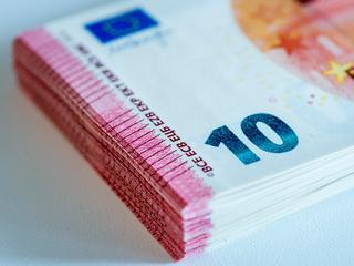 Kredietbanken vragen vaak meer geld dan commerciële bank