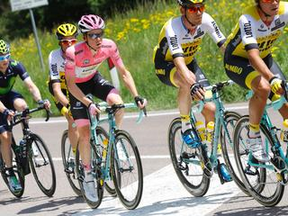 'Ik denk zelf nog niet dat ik de Giro al gewonnen heb'