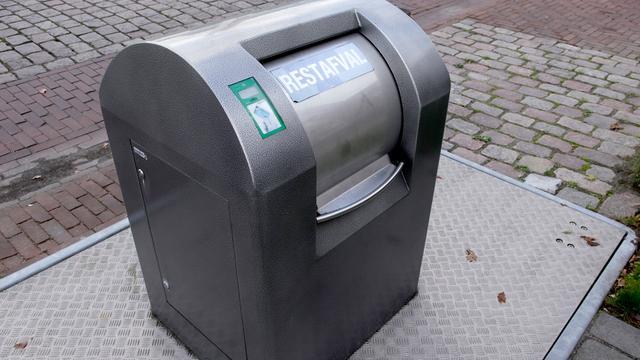 Eerste afvalbak in Etten-Leur 'geadopteerd'