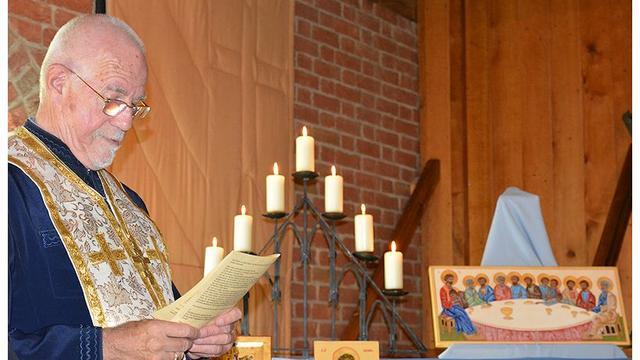 Vijftig iconen bij Archeon gewijd door priester Brenninkmeijer
