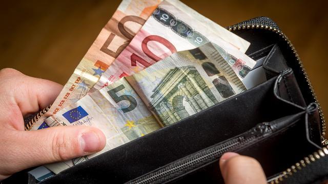 Nep-thuishulp gaat ervandoor met geld 87-jarige Bredase