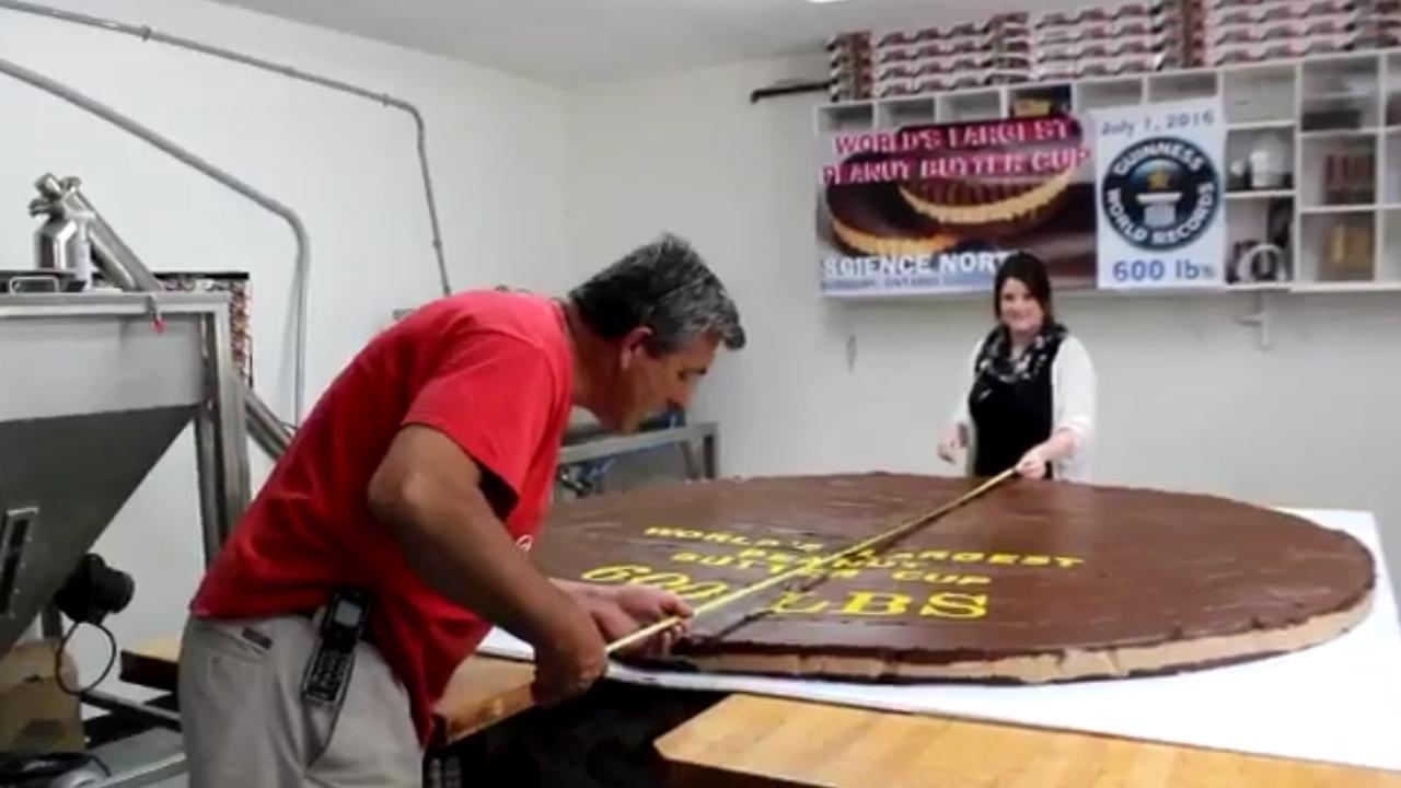 Canadezen proberen record te verbreken met pindakaaskoek van 272 kilo
