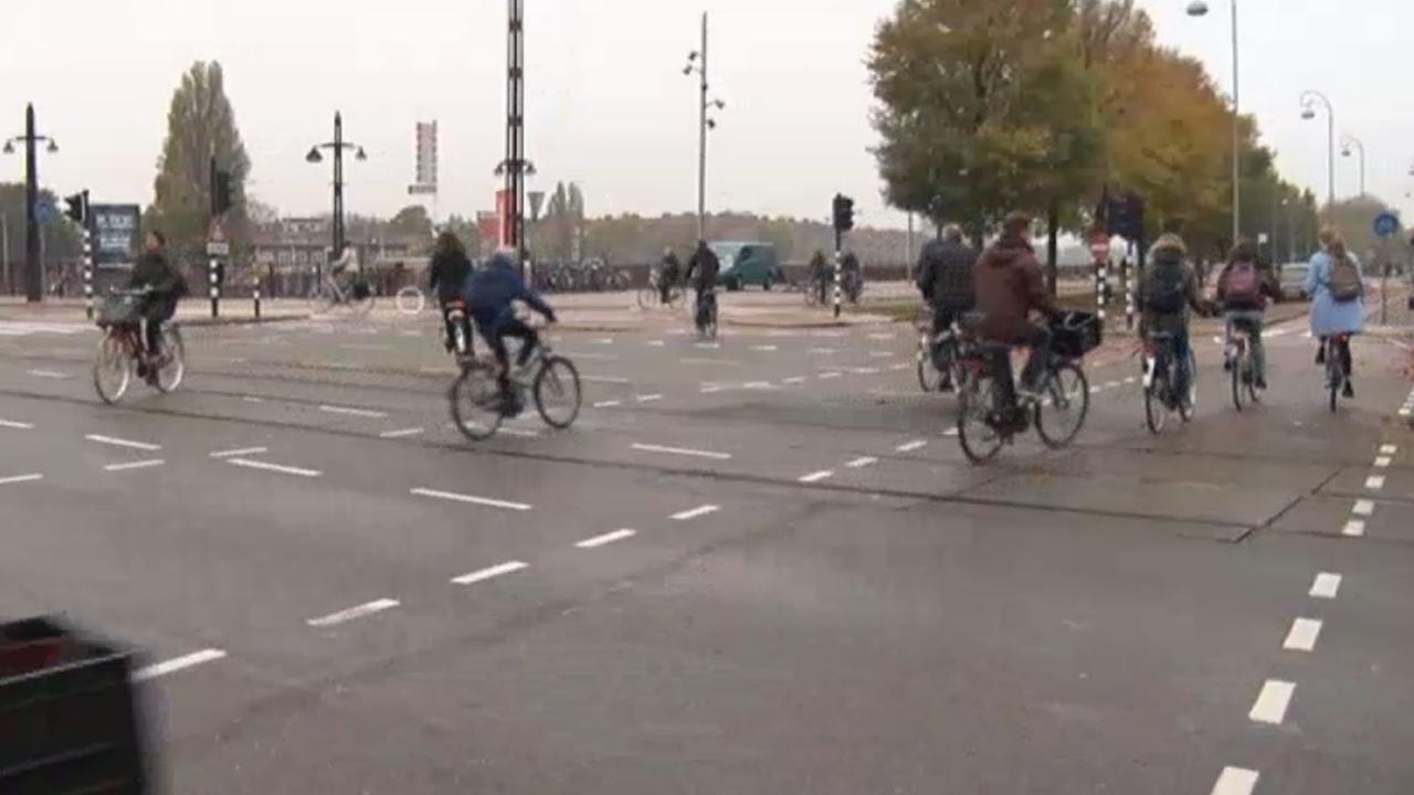 Langzamer fietsen door drukte