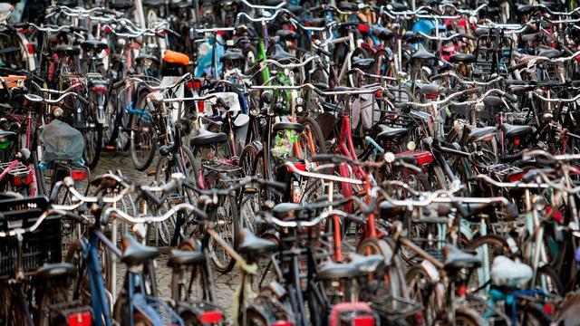 Gemeente start experiment met fietsparkeren op Grote Markt