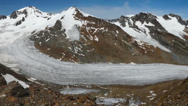 gletsjers-bergtoppen-smelten-wereldwijd-mens.jpg